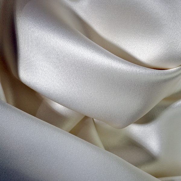 000 Bright White Satin Back Crepe